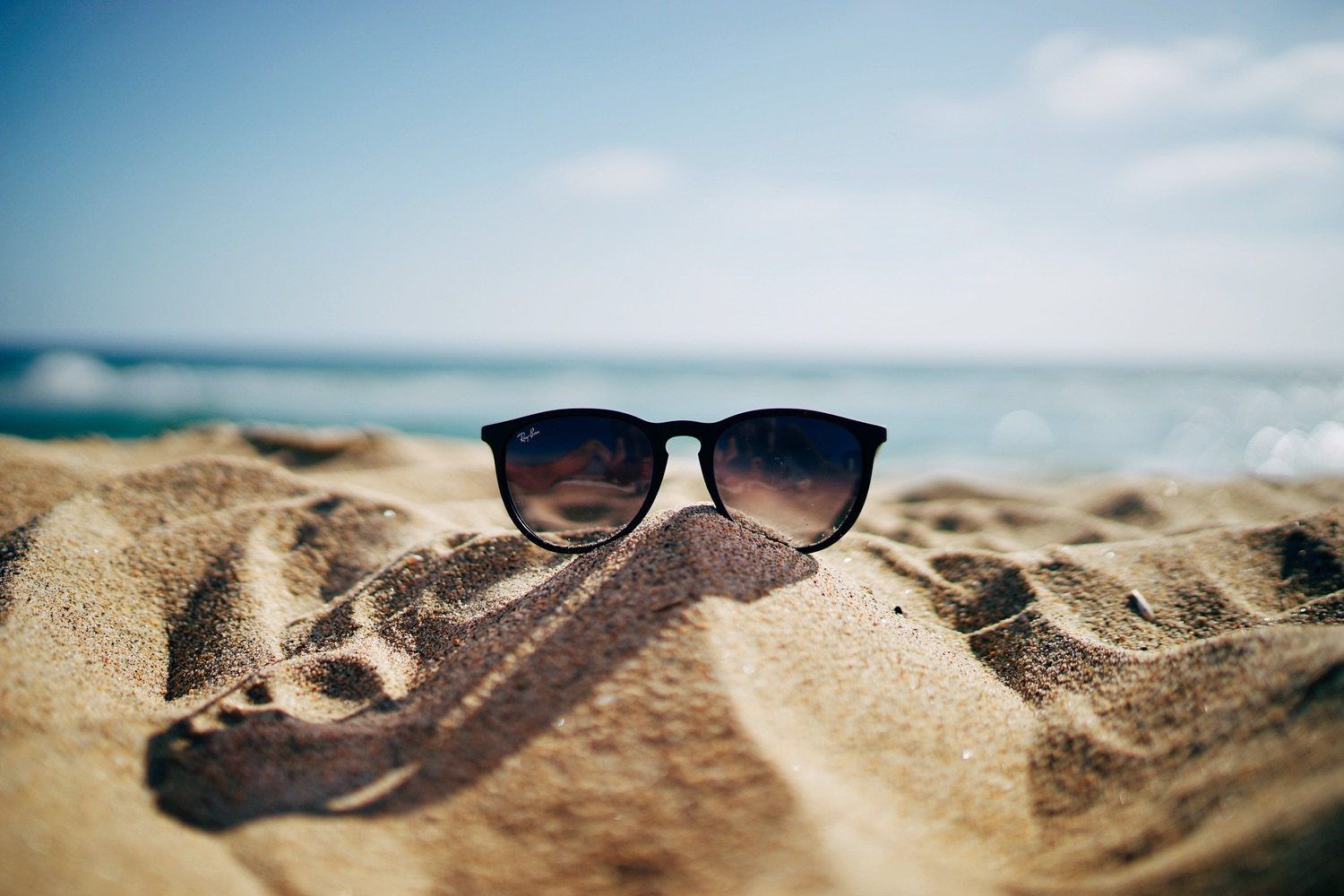 How High-Grade Glass Lens Helps Ray Ban A Preferred Choice?