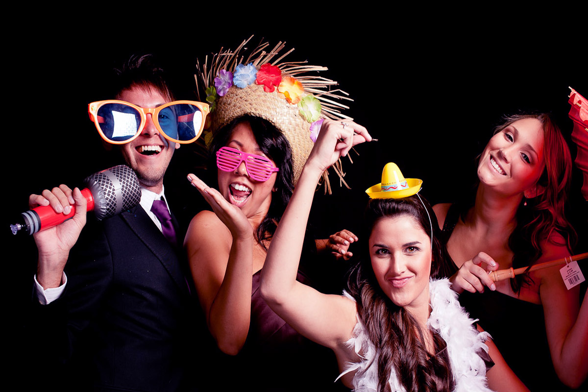 How Event Entertainment Can Be Increased With Photo-Booths?