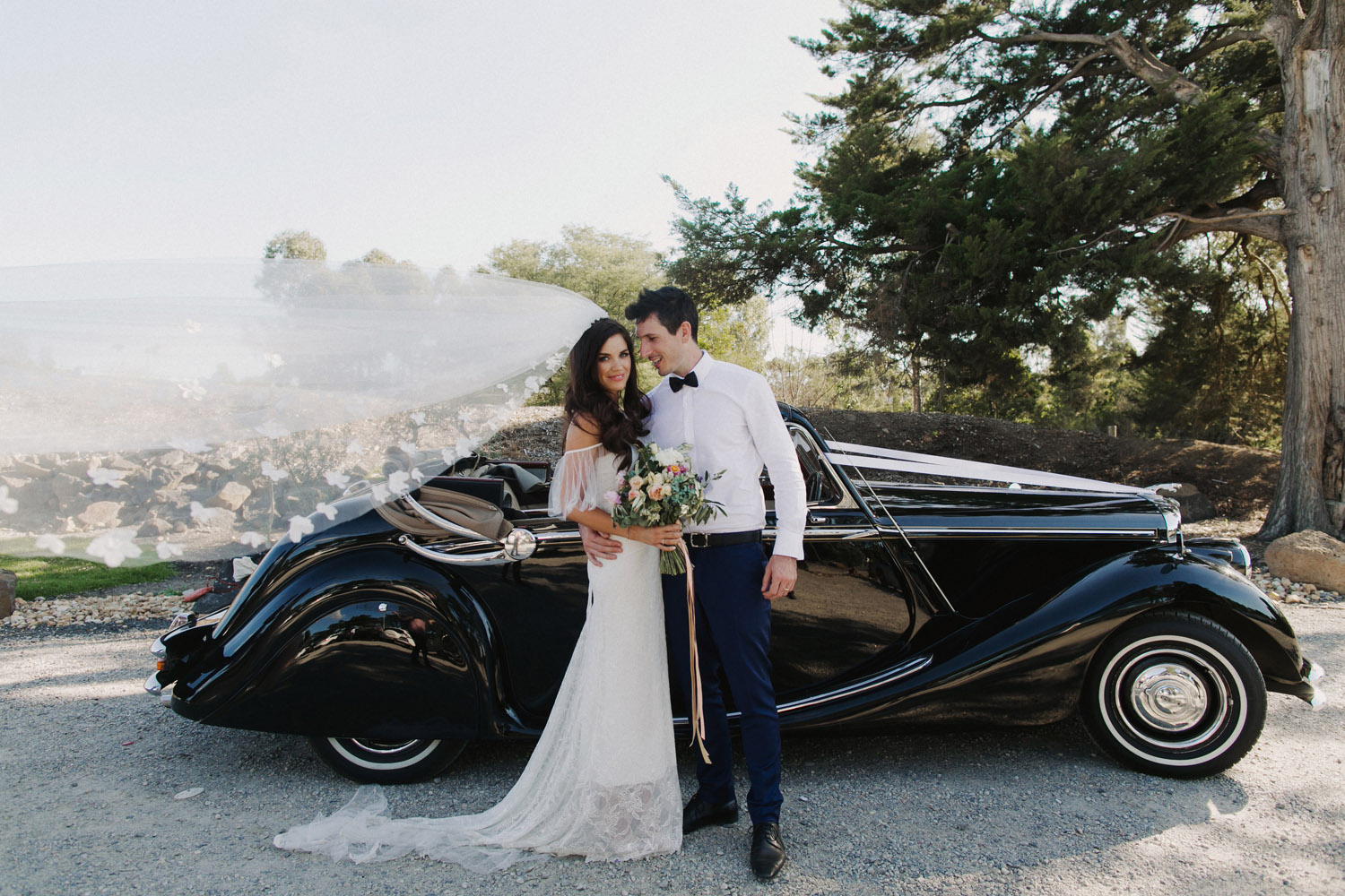 How To Choose The Best Car Rental Service For Your Wedding Day?