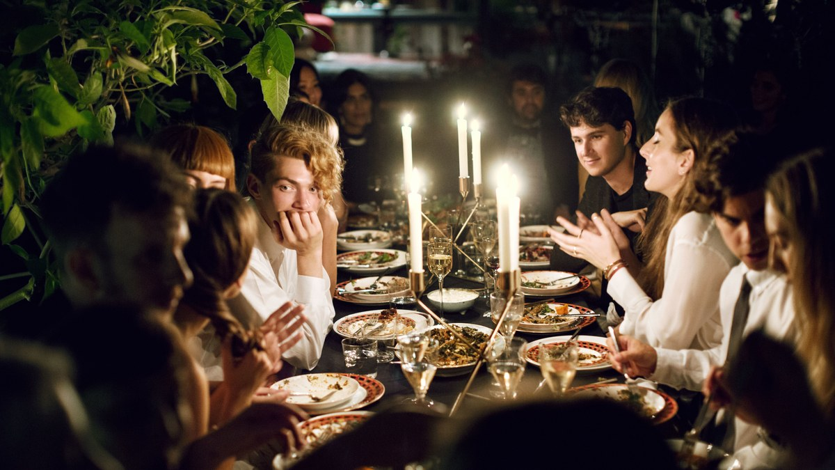 How to Plan a Dinner Party Like a Pro