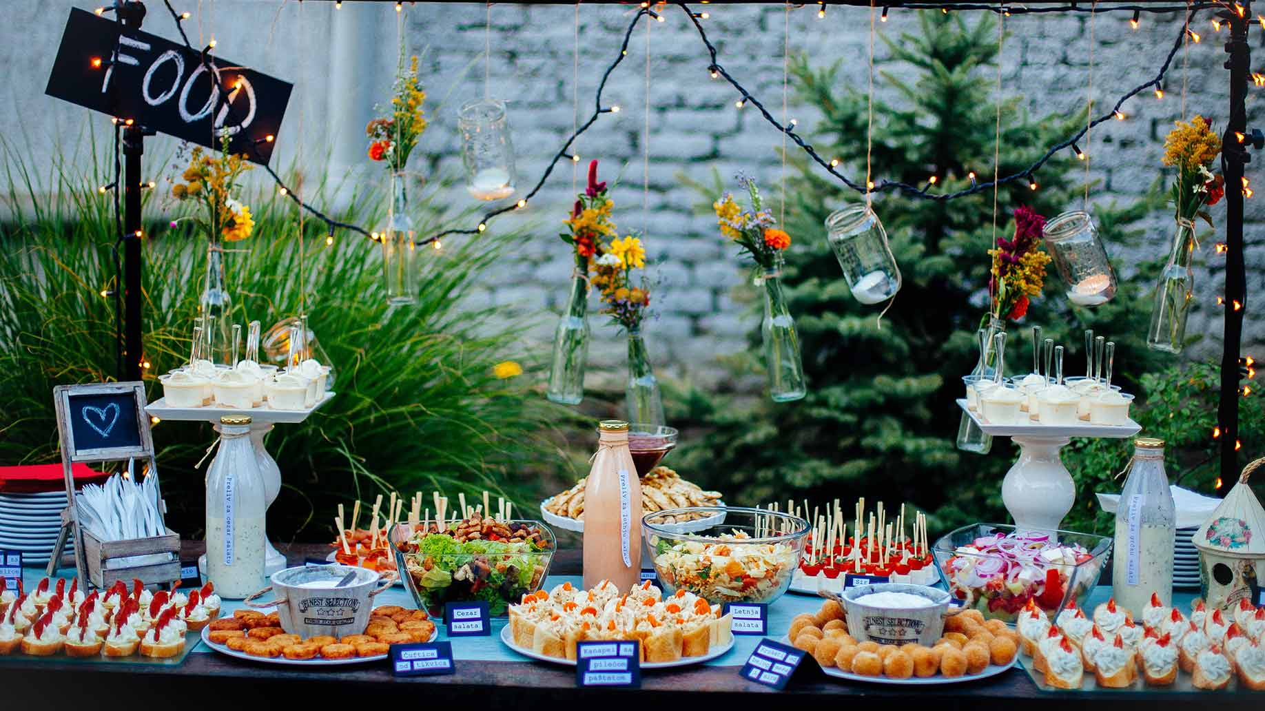 Having A Party At Home? Hire The Private Catering Services To Save Time And Effort